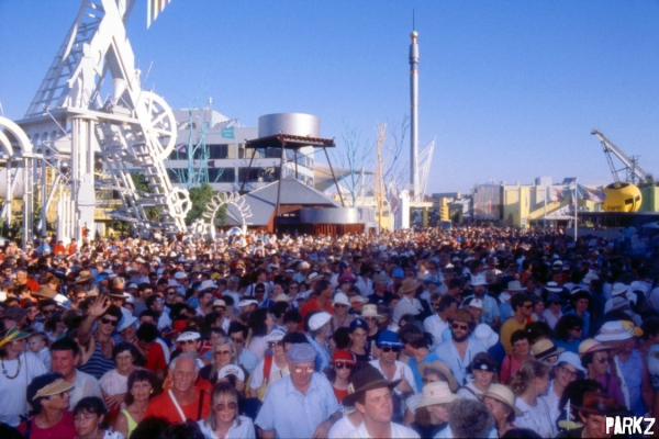Crowds at Brisbane Expo '88